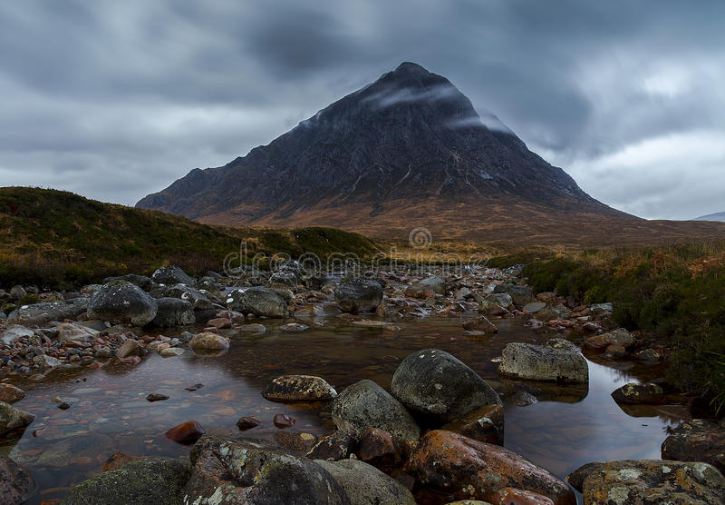Montanha de Stob Dearg (ANSR de Buachaille Etive) fotografia de stock royalty free