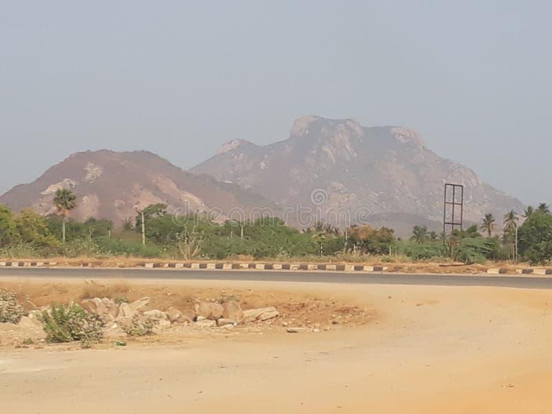 Montanha de viagem dos feriados no parque da pedra da estrada exterior foto de stock