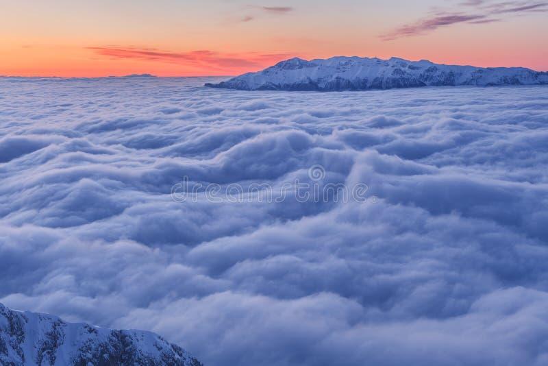 Montanha do inverno foto de stock