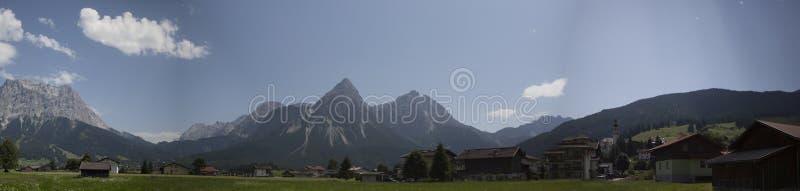 Montanha do panorama foto de stock royalty free