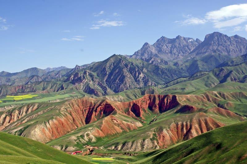 Montanha do zhuoer de Gansu na porcelana foto de stock royalty free