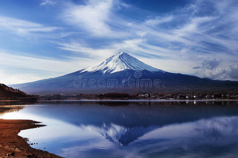 Montanha fuji e kawaguchiko do lago, Japão imagem de stock
