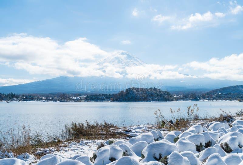 Montanha Fuji San no lago Kawaguchiko fotografia de stock royalty free