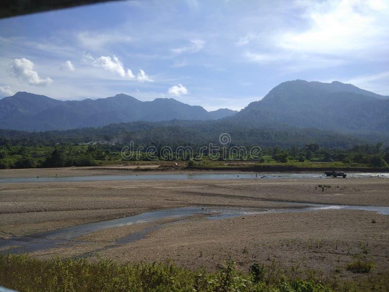 Montanha indiana do rio da floresta da natureza imagem de stock