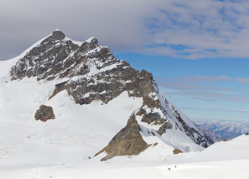 Montanha Jungfrau e esfinge da estação da montanha imagens de stock