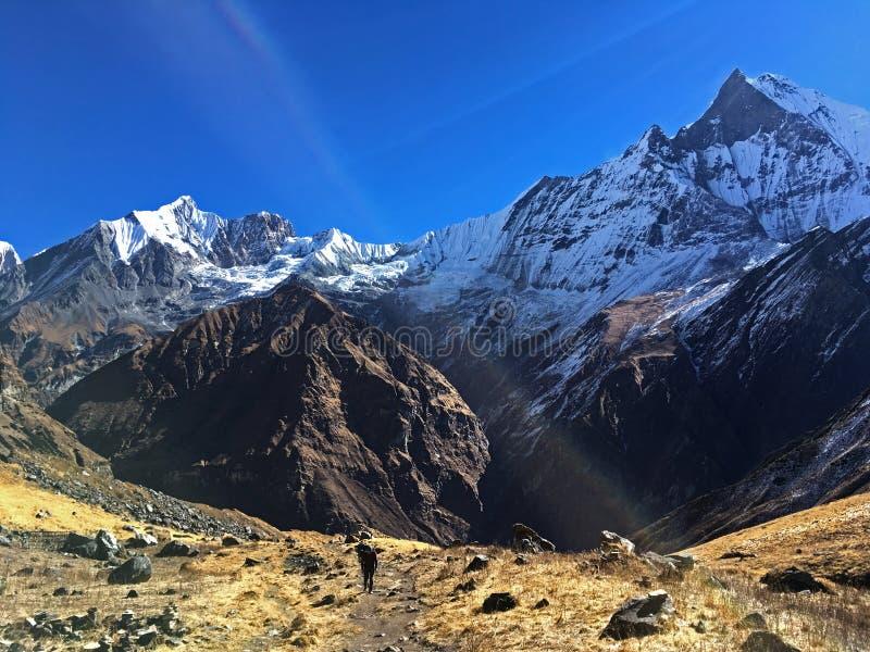 Montanha Machapuchare e cume imagem de stock royalty free
