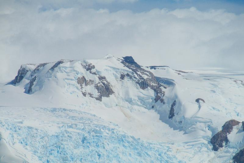Montanha patagonian da geleira do gelo azul foto de stock