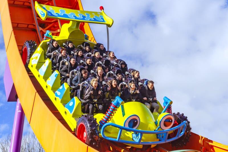 Montanha russa do piloto de Rc em Disneylândia Paris imagem de stock