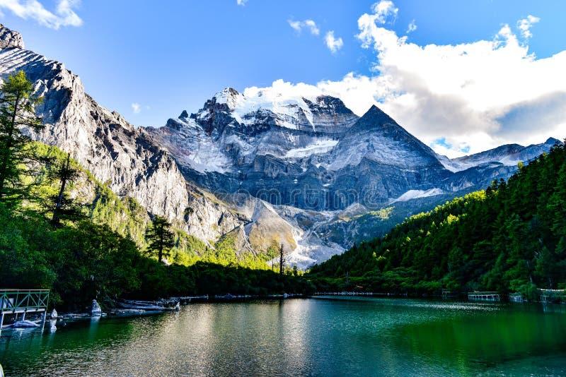 Montanha sagrado de Sichuan, China imagem de stock