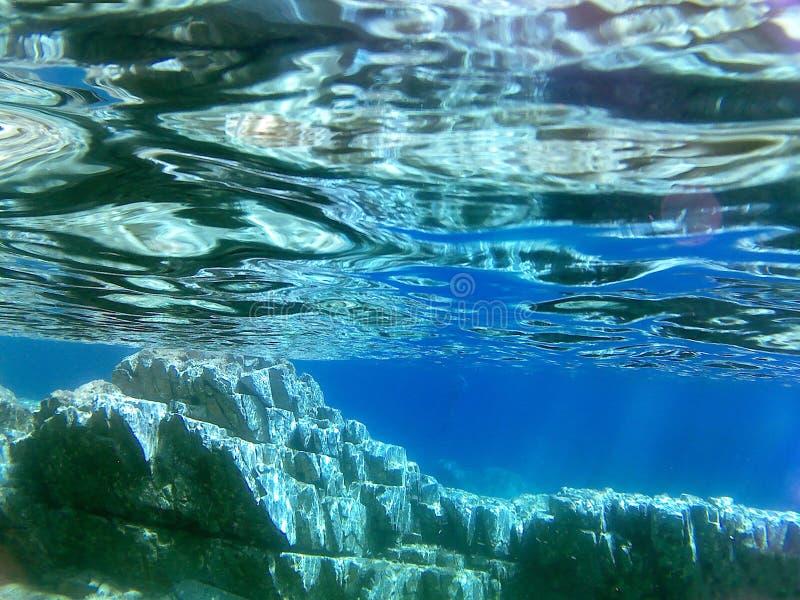 Montanha sob o mar fotos de stock royalty free