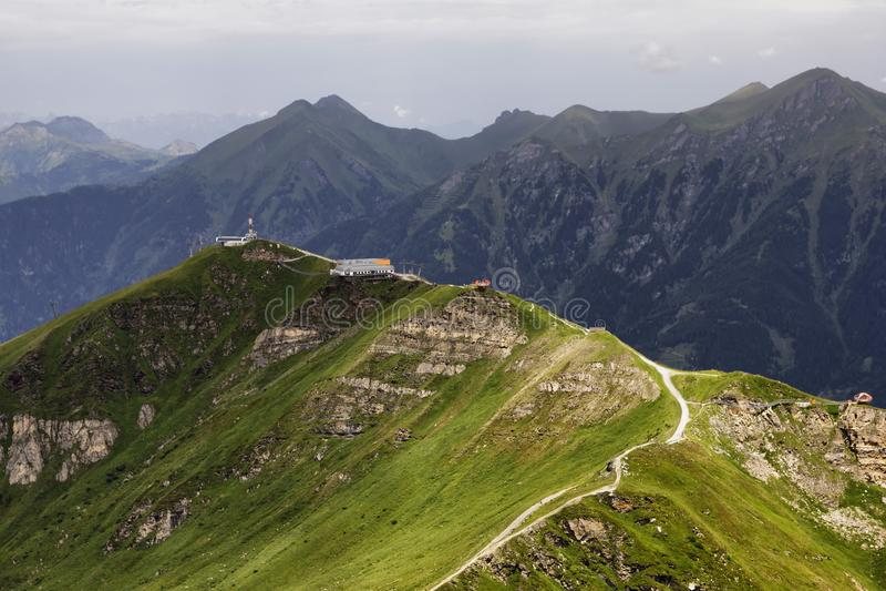 Montanha Stubnerkogel em Áustria imagem de stock