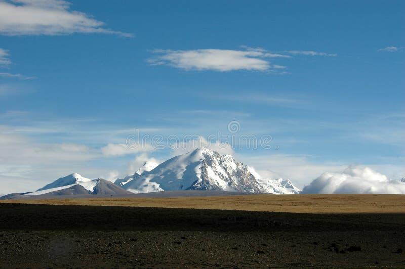 A montanha tibetana da neve imagem de stock royalty free