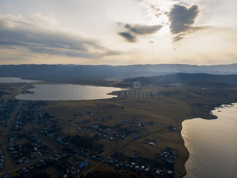 Montanhas à proximidade do lago Bannoe, república Bashkortostan, Rússia imagens de stock