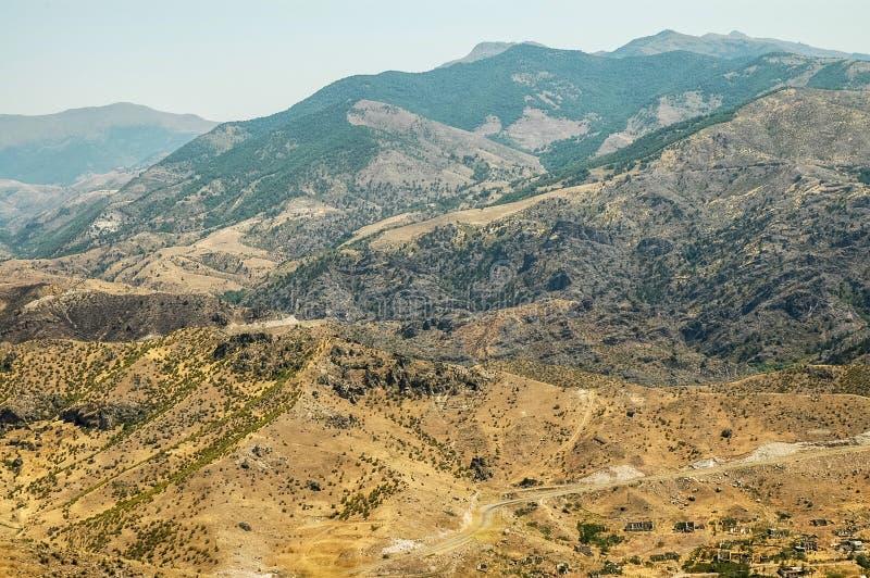 Montanhas áridas em Nagorno Karabakh, Azerbaijão imagens de stock