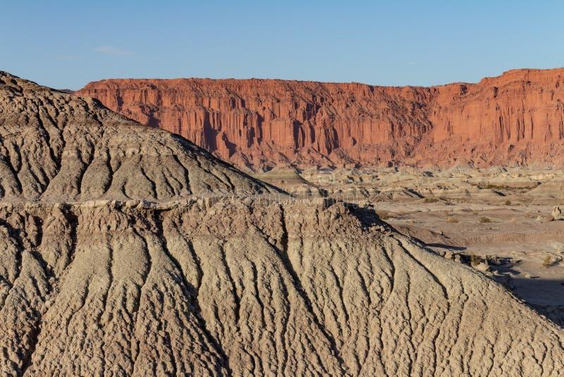 Montanhas antigas de idades geological diferentes imagens de stock royalty free