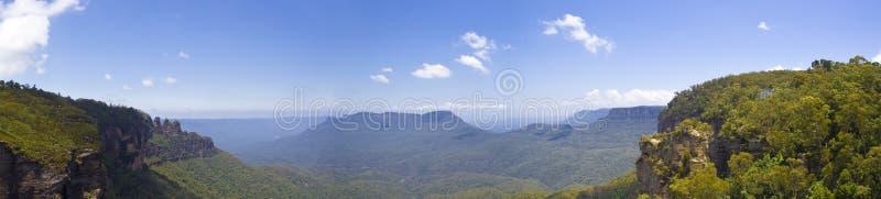 Montanhas azuis foto de stock royalty free