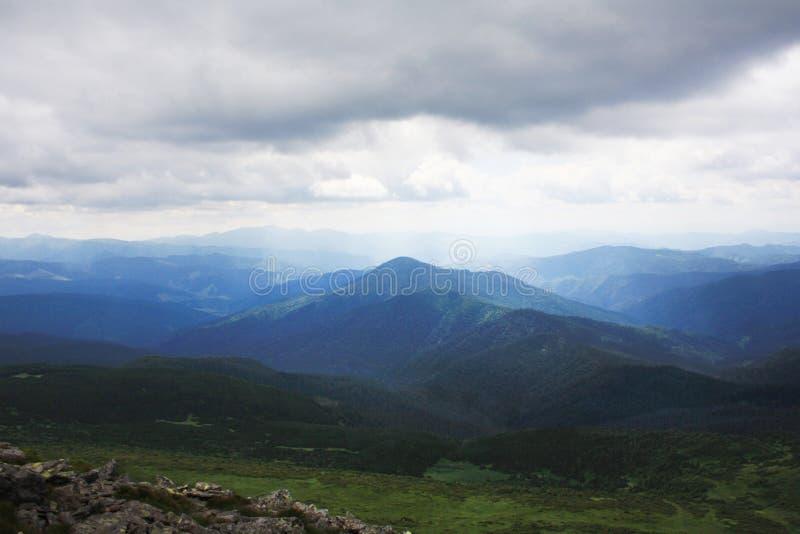 Montanhas A beleza do natura foto de stock