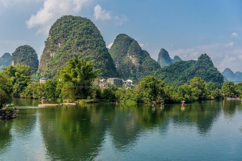 Montanhas bonitas em Yangshuo fotos de stock royalty free