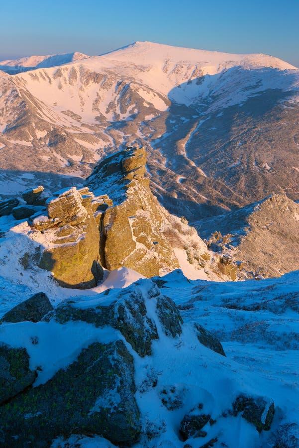 Montanhas Carpathian do inverno imagens de stock royalty free