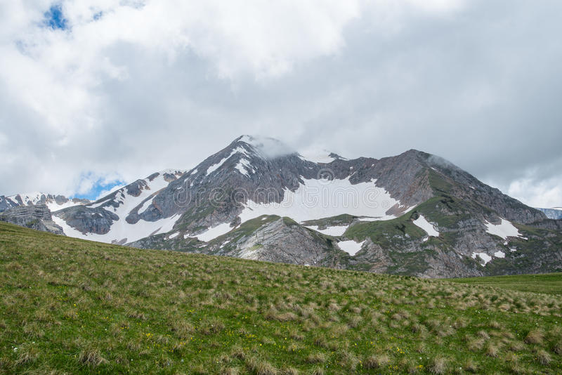 Montanhas caucasianos, Oshten imagens de stock royalty free