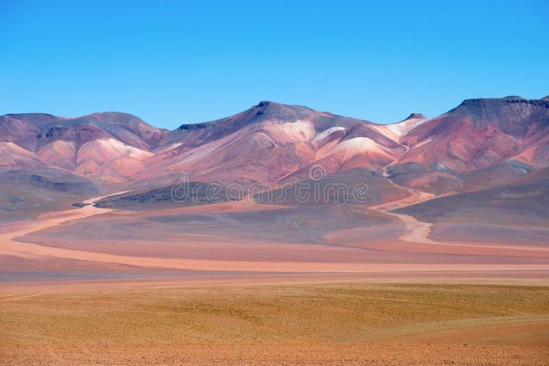 Montanhas coloridas no deserto de Atacama - Bolívia, Ámérica do Sul fotografia de stock
