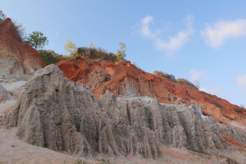 Montanhas da areia colorida foto de stock royalty free