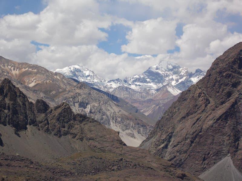Montanhas de Andes na área central do Chile imagem de stock royalty free