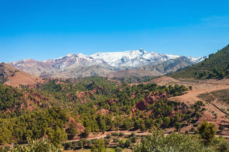 Montanhas de atlas altas imagens de stock