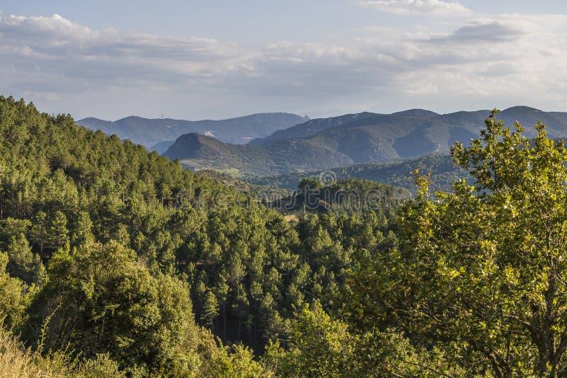 Montanhas de Corbieres, França foto de stock