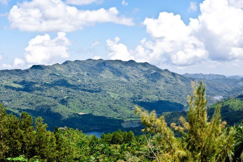 Montanhas de Cuba fotografia de stock