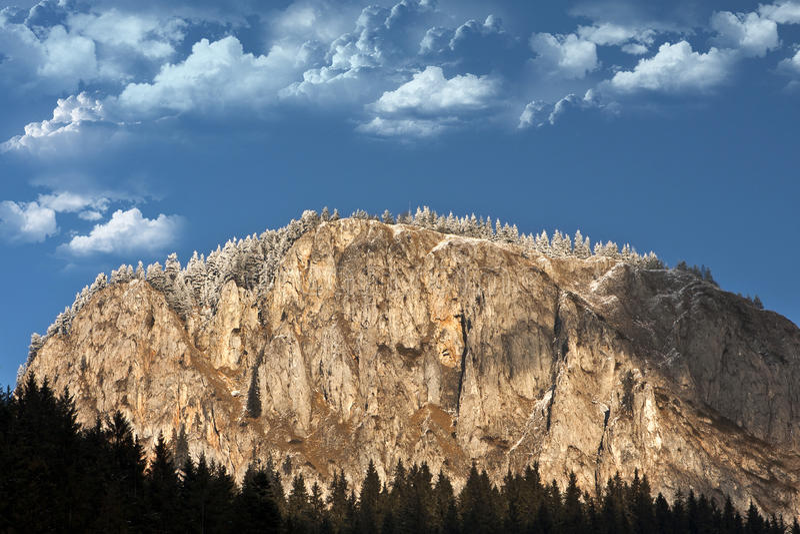 Montanhas de Hasmas, garganta de Bicaz foto de stock