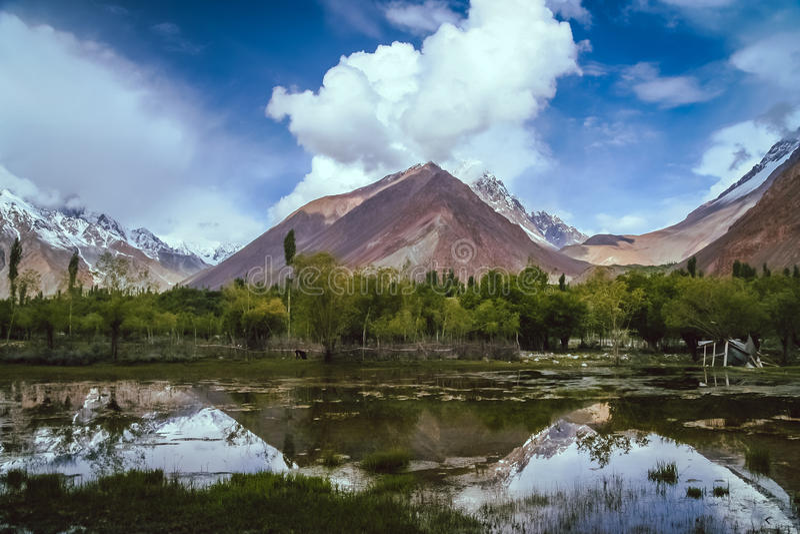 Montanhas de Karakorum foto de stock