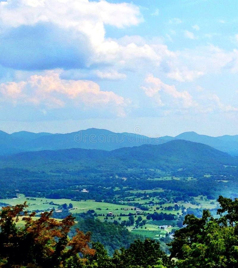 Montanhas de Ridge azul imagens de stock