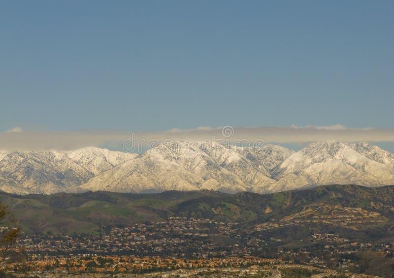 Montanhas de San Bernardino no inverno fotografia de stock