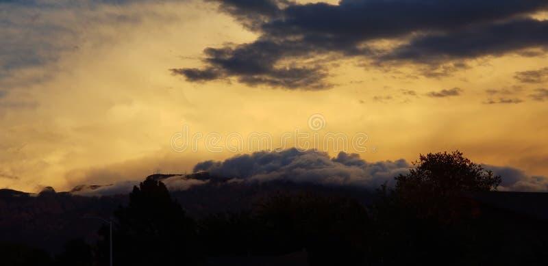 Montanhas de Sandia do nascer do sol foto de stock