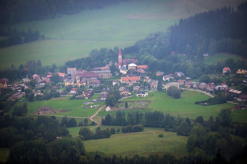 Montanhas de Stolowe no Polônia imagens de stock