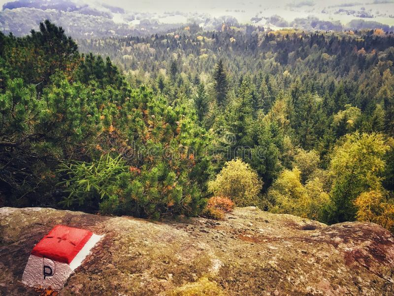Montanhas de Stolowe no Pol?nia foto de stock royalty free