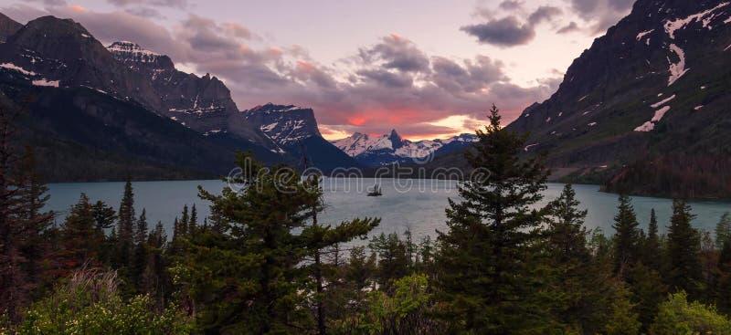 Montanhas de surpresa no parque nacional grande de Teton fotografia de stock
