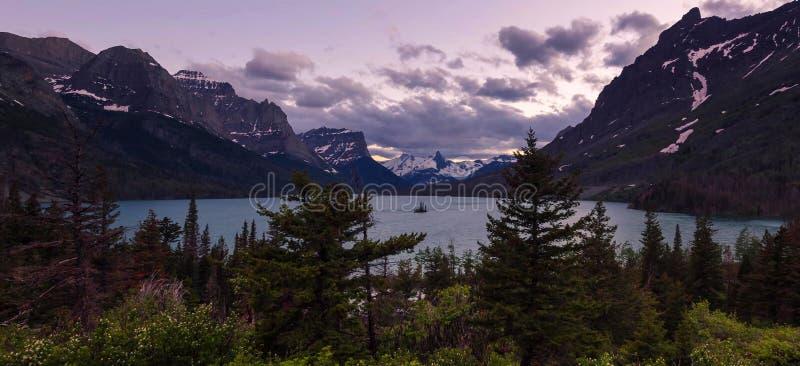 Montanhas de surpresa no parque nacional grande de Teton imagens de stock