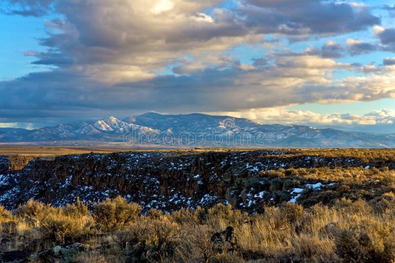 Montanhas de Taos no por do sol fotografia de stock royalty free