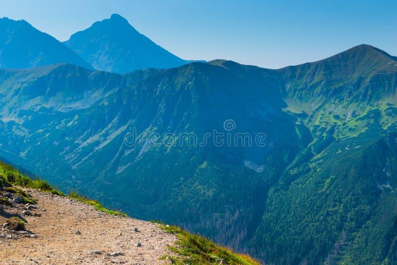 Montanhas de Tatra da foto do ponto do turista imagem de stock royalty free