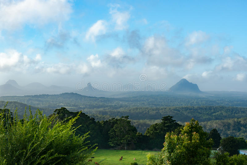 Montanhas de vidro da casa de Queensland do cenário australiano imagem de stock royalty free