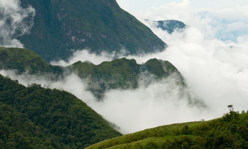 Montanhas de Vietnam foto de stock royalty free
