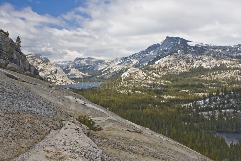 Montanhas de Yosemite   imagens de stock