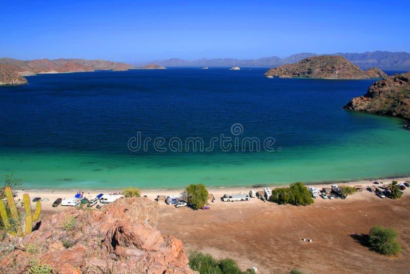 Montanhas, deserto e mar imagem de stock