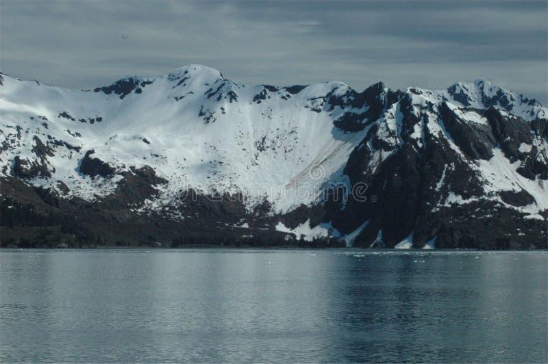 Montanhas do Alasca fotografia de stock royalty free