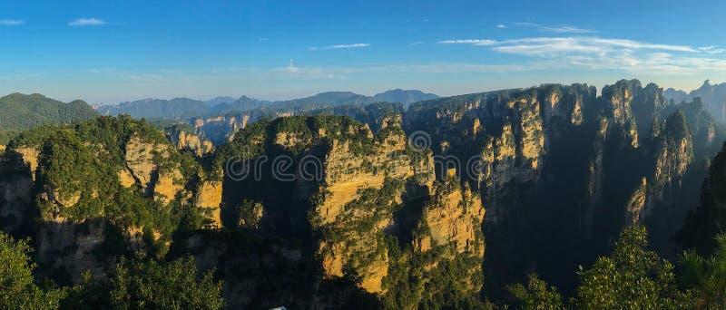 Montanhas do Avatar da montanha de Tianzi Shan, frentes do nacional de Zhangjiajie imagem de stock