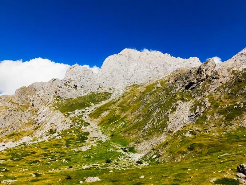 Montanhas do ` de Gran Sasso do `, Itália do sul fotografia de stock
