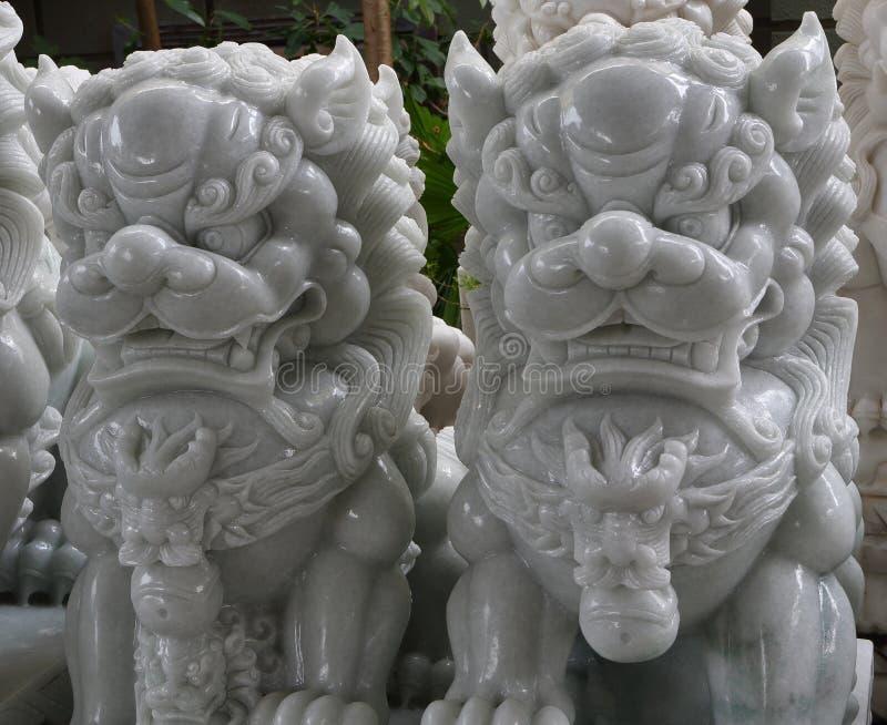 Montanhas do m?rmore de Vietname, Danang em janeiro de 2017: Loja vietnamiana tradicional das esculturas de m?rmore imagens de stock royalty free