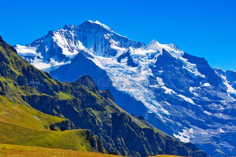 Montanhas dos cumes fotos de stock royalty free